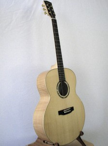 BMS-JTMES Blu Moon Jumbo Traditional Flame Maple/Engelmann Spruce Top